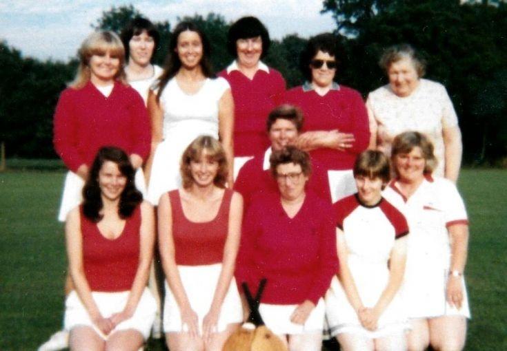 Handcross stoolball team (3 of 4)