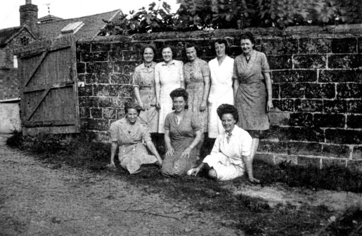 Factory workers at Warninglid Grange in WWII