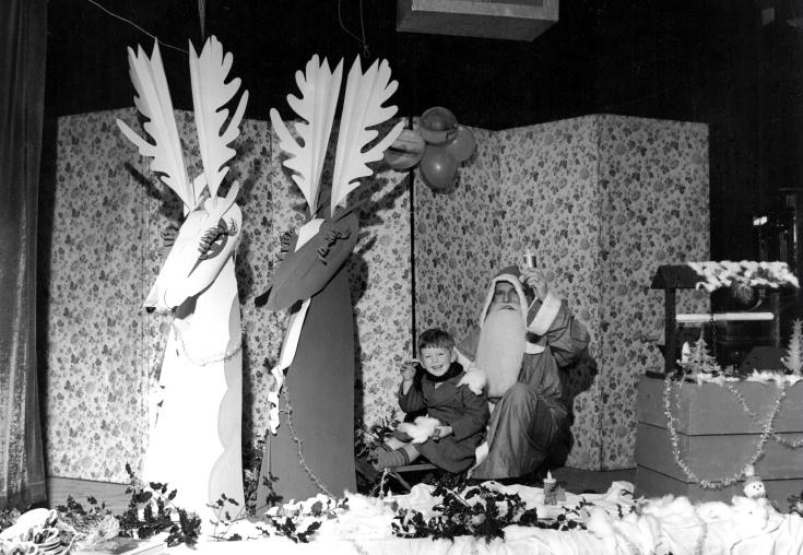 Father Christmas visits Handcross!