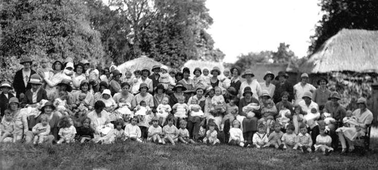 Multitude of mothers and children in Handcross