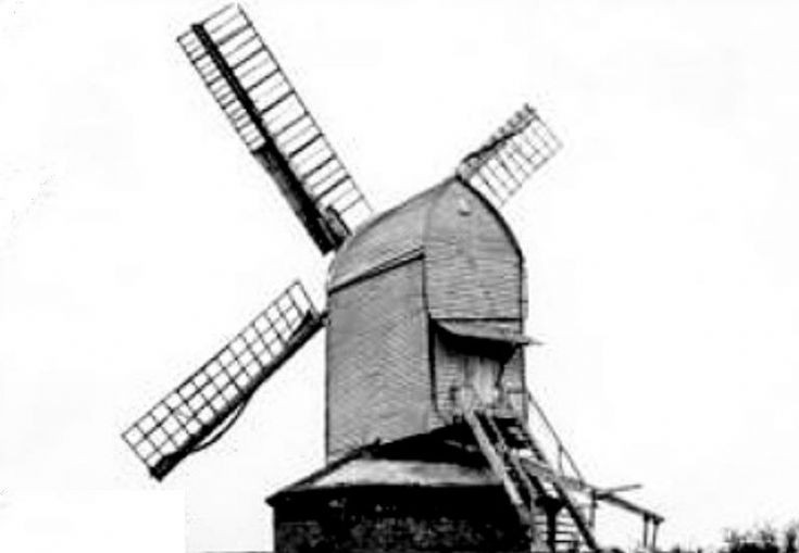 Windmill behind Fountain Inn, Handcross (2 of 2)
