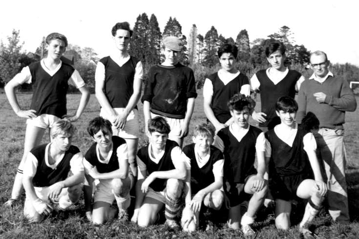 Staplefield Minors football team (3 of 4)