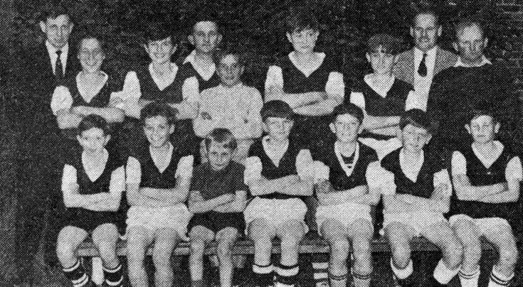 Staplefield Minors football team (4 of 4)