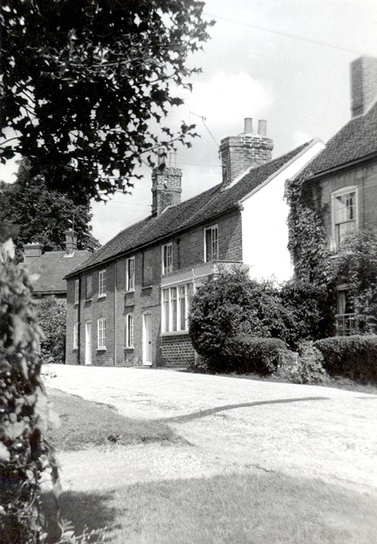 Carpenters Arms Cottages, Slaugham