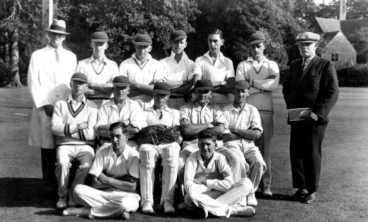 Hyde estate cricket team, Handcross