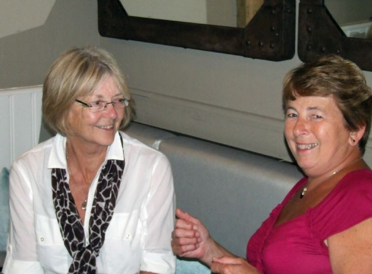 Reunion of Handcross school friends in Red Lion