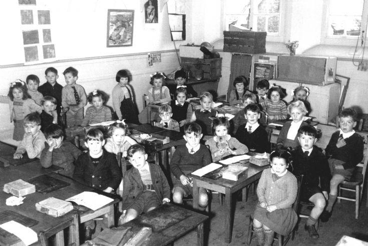 Handcross School infants class 1954