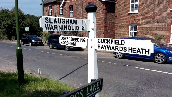 Fingerpost at Coos Lane, Handcross restored