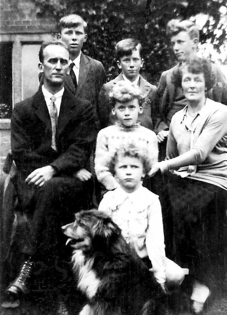 The Brown family at Ashfold Lodge, Handcross