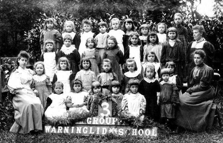 Warninglid School - The girls 1909