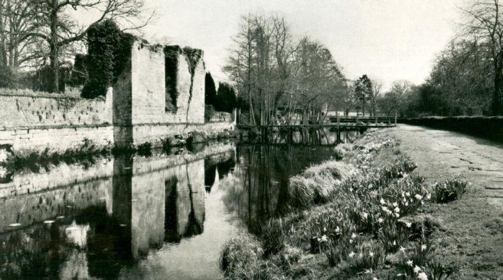 Slaugham Place ruins