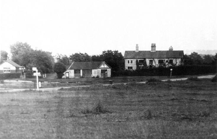 Stone Court, Staplefield Common