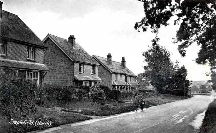 Holly Cottages, Staplefield