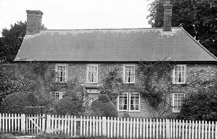 Chodds Farmhouse