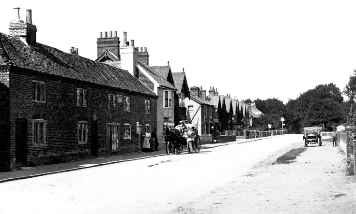 Batchelors Buildings, High Street, Handcross