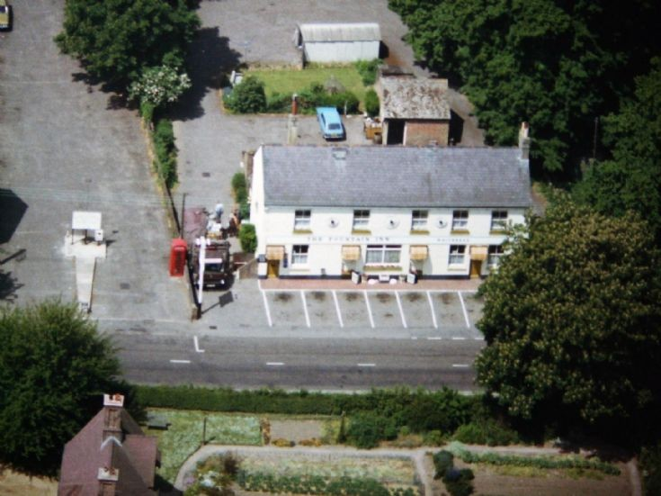 Aerial view of the Fountain Inn, Handcross