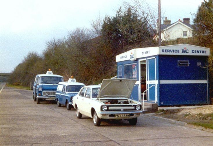 RAC Service Centre, Handcross