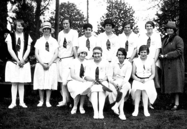 Handcross Stoolball team 1929