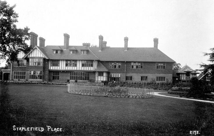 Staplefield Place gardens