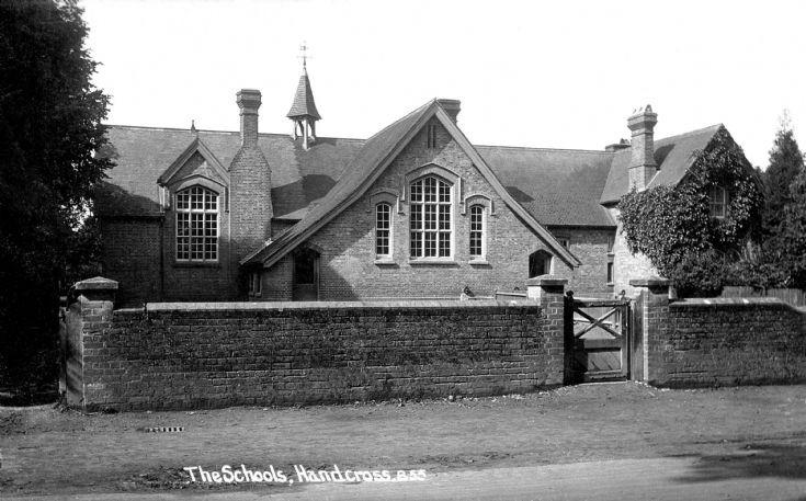 Handcross school