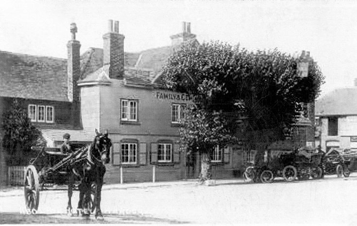 Motor cars outside the Red Lion in Handcross