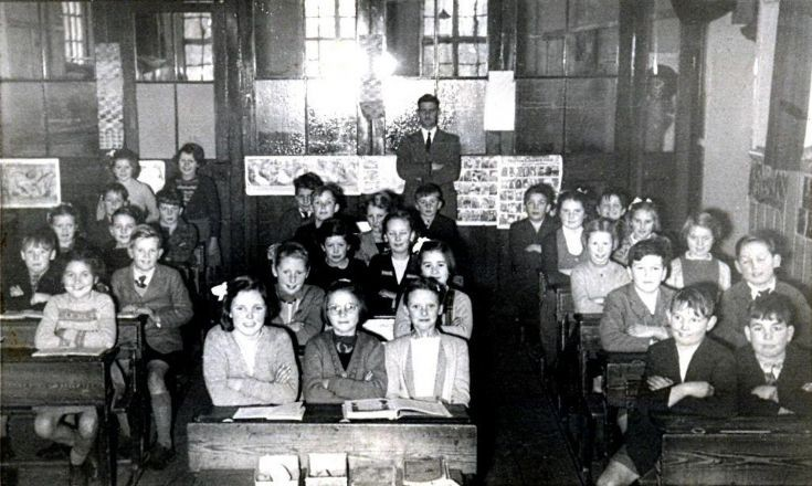 Handcross school in the classroom