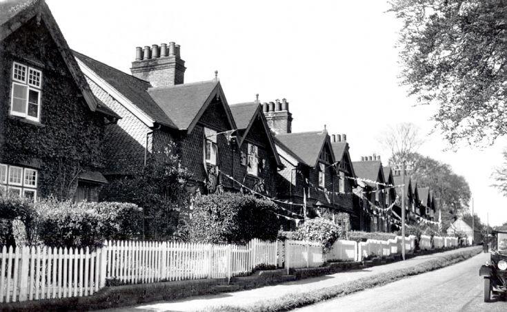 Warren Cottages celebrate the coronation