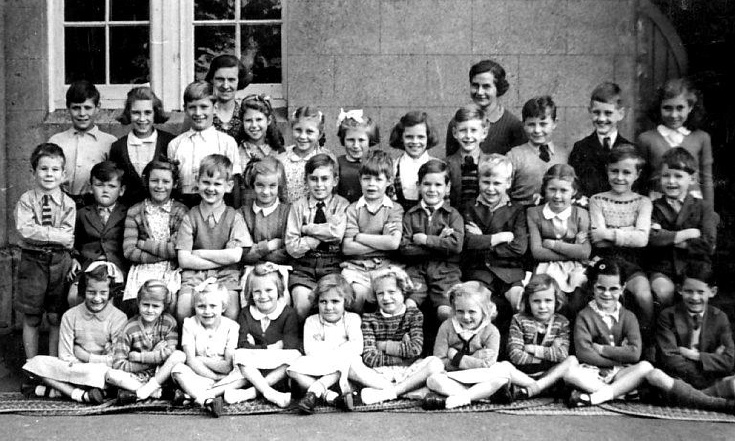 Staplefield School teachers and pupils