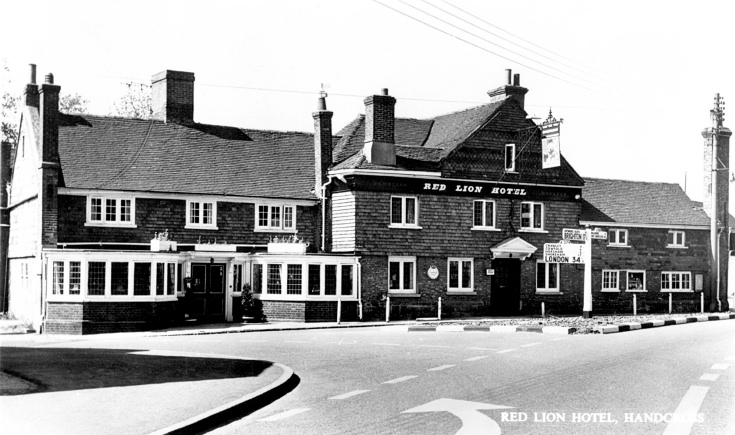 Red Lion, Handcross and signpost