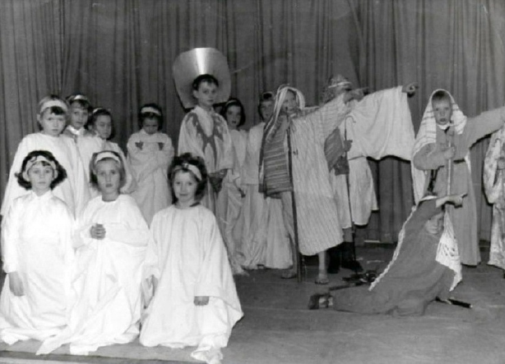 Handcross Primary School Nativity Play
