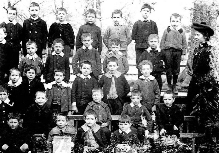Warninglid school 1900
