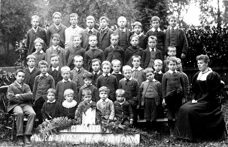 Warninglid school 1909