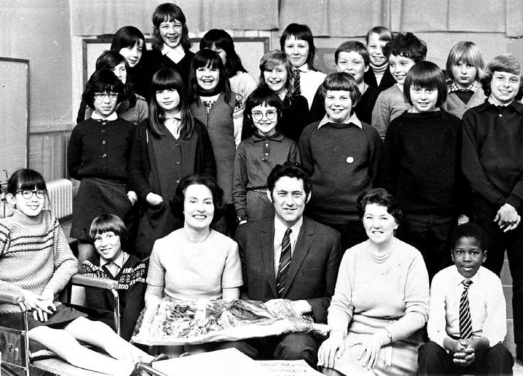 Mr Gooders leaves Handcross School