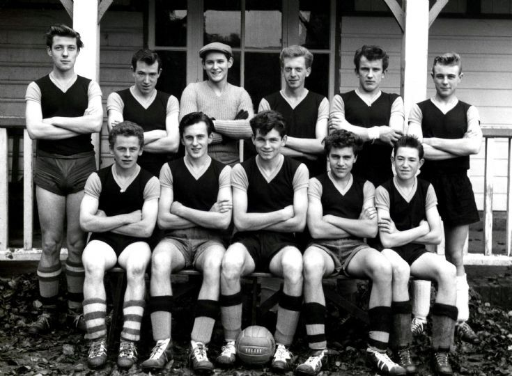 Handcross football team 1960